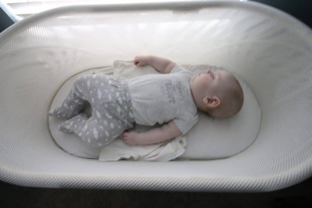 baby sleeping in snoo