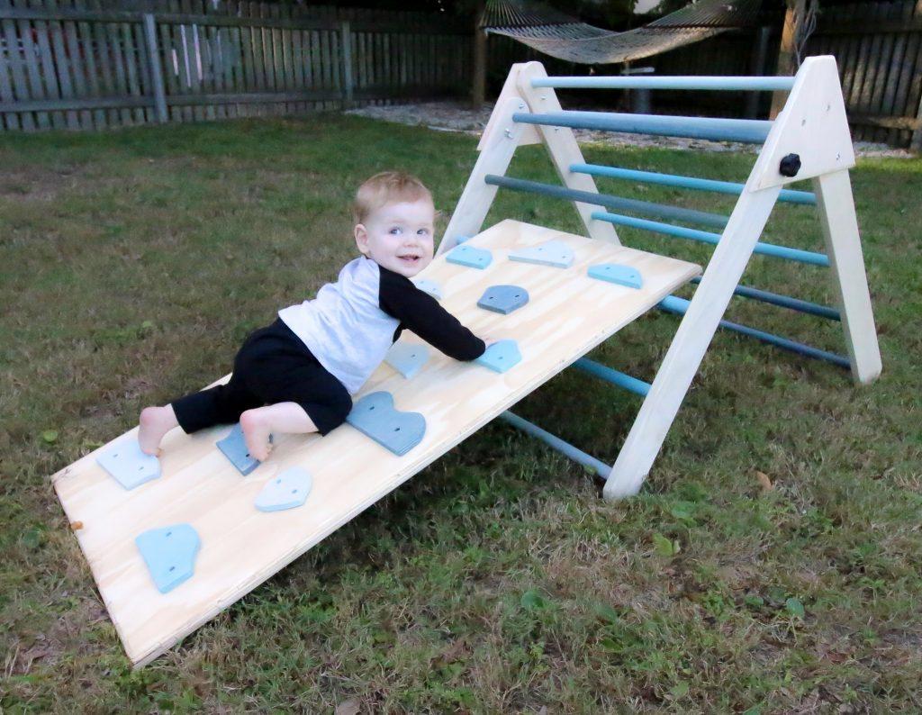 toddler climbing pikler ramp